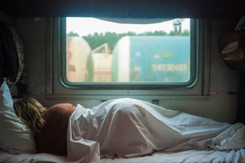 A woman who cannot sleep in a caravan without self hypnosis for sleep