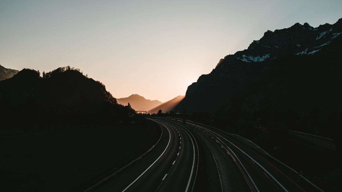 The Underestimated Dangers of Highway Hypnosis and How You Can Prevent it